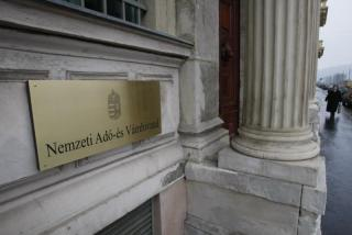 Hungary: same-sex registered partners to receive all tax benefits afforded to spouses